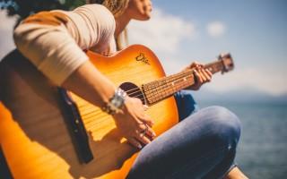 Как играть флажолеты на гитаре
