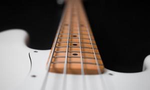Отрегулировать гриф на гитаре — легко!