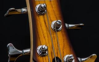 Выбор колков для шестиструнной гитары