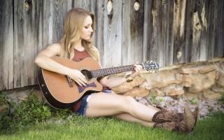 Как играть перебором на гитаре
